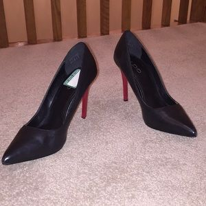 Aldo Black Pumps with red heels